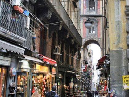 Napoli via San Gregorio Armeno